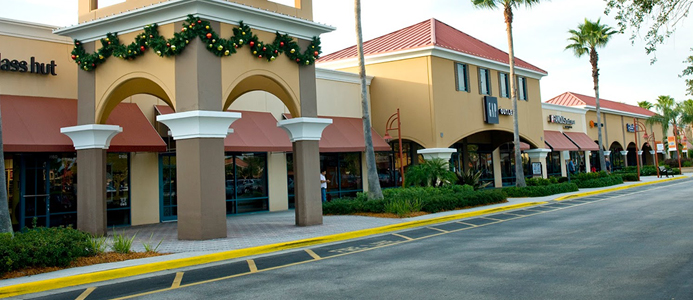 This is a solid Coach outlet, if you are in the Vero Beach area, it's worth a swing into the Outlets to stop in here. Unlike Orlando, this location wasn't completely swamped on our Sunday swing through- so we didn't have to fight anyone off of our finds/5(6).